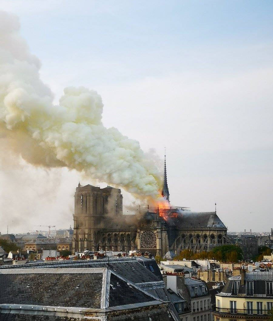 Kathedrale_Notre-Dame_brennt.jpg